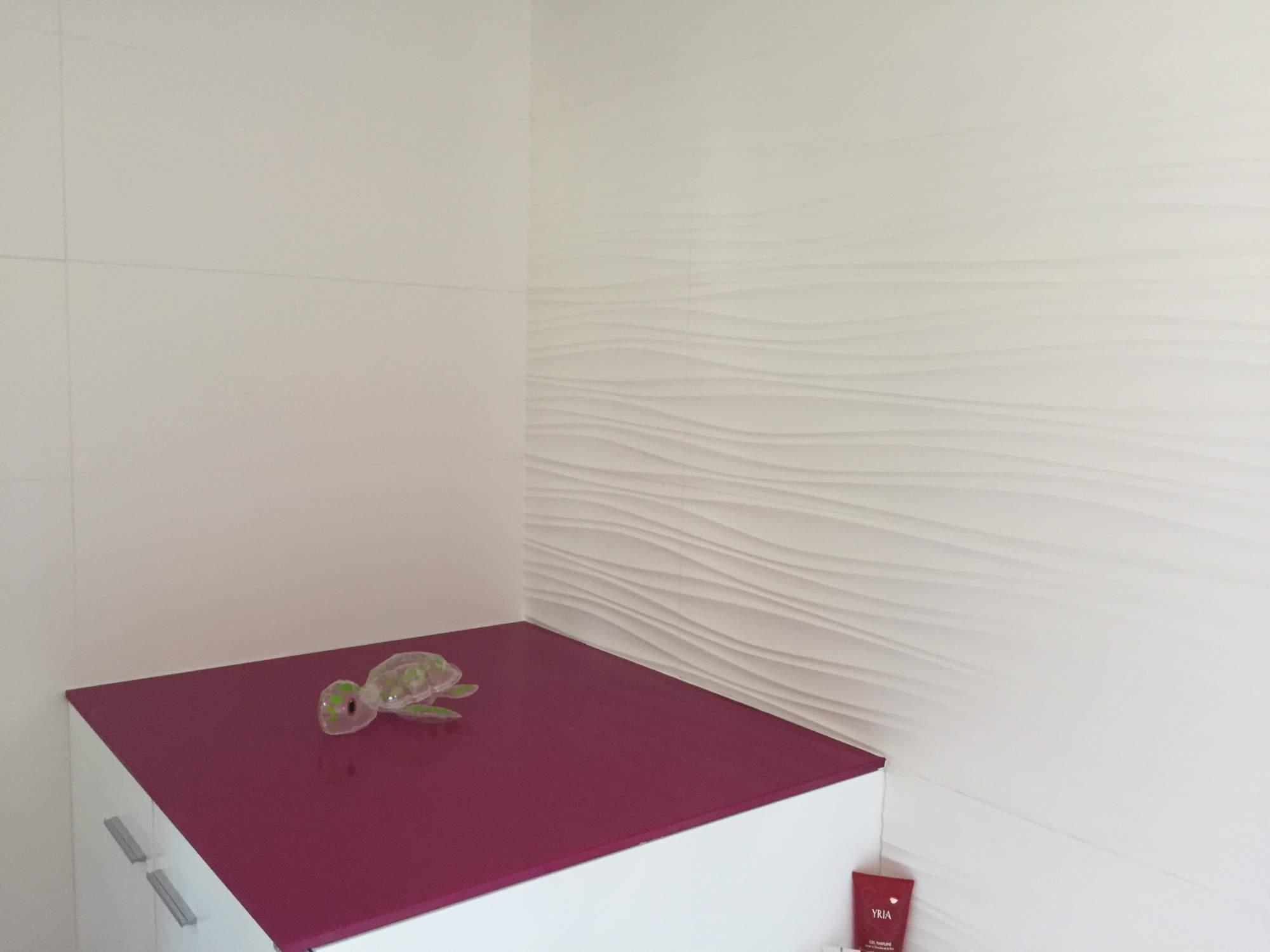 Pose de carrelage sol et murs pour salle de bains aix en - Carrelage rose salle de bain ...