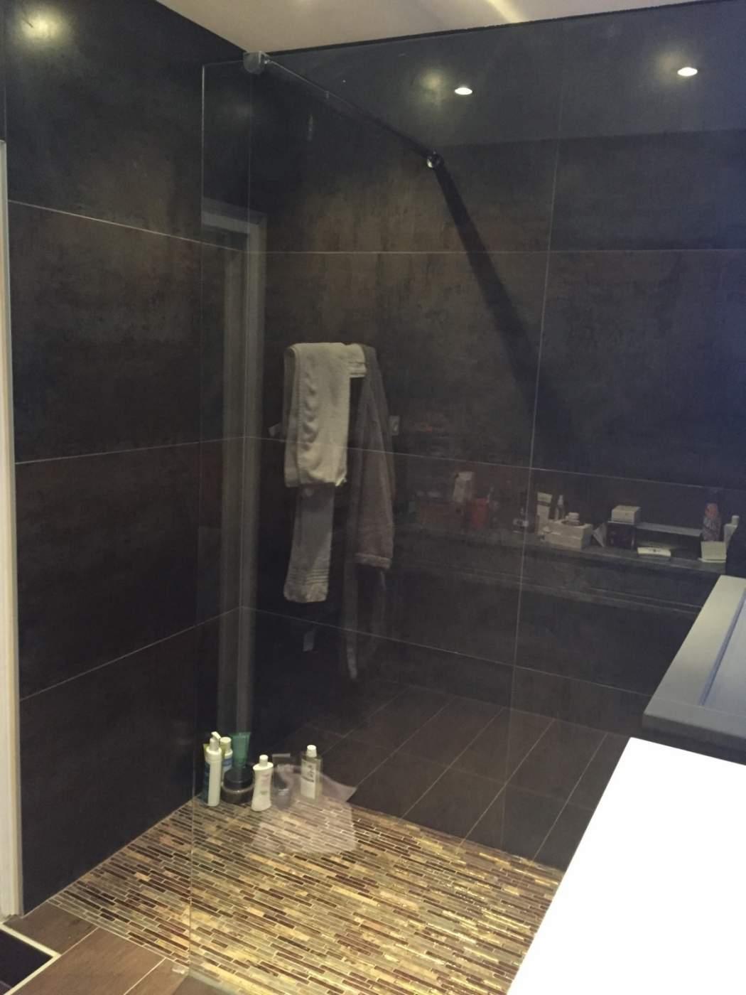 Salle de bains parentale en plein coeur d aix en provence for Salle de bain aix en provence