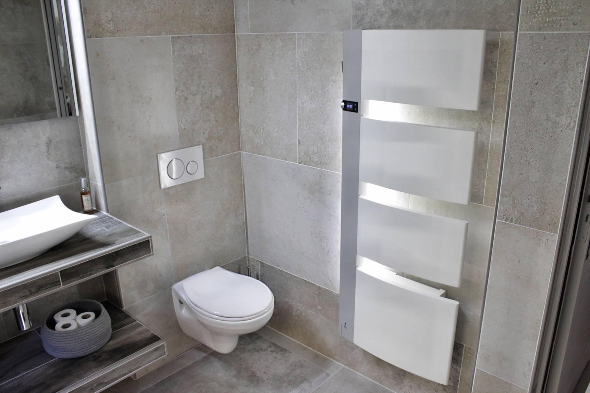 Salle De Bains Entièrement Rénovée Carrelage Effet Pierre Aix En - Photo salle de bain carrelage