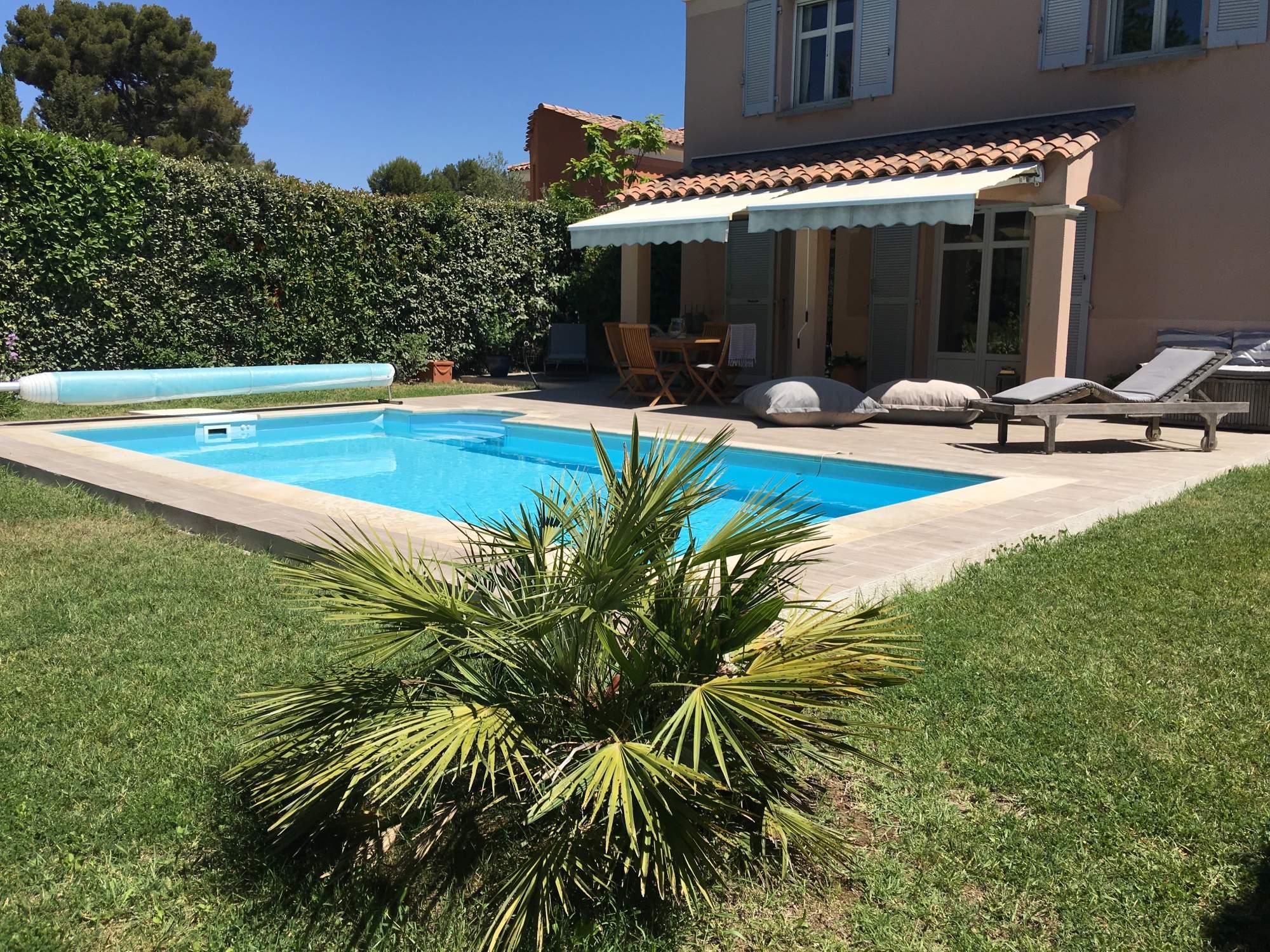 Imitation bois pour terrasse carrelage int rieur et ext rieur eguilles salle bain cuisine - Peut on se baigner pendant la filtration de la piscine ...