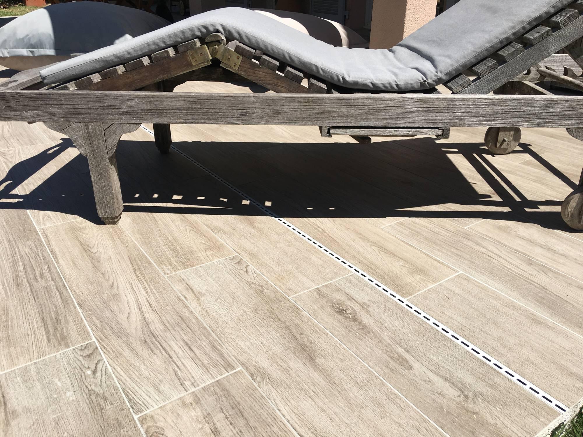 Best Carrelage Antidrapant X Pour Terrasse Venelles Margelles Pour Contour De  Piscine Eguilles Piscine Carrelage Imitation Bois With Carrelage Plage  Piscine ...