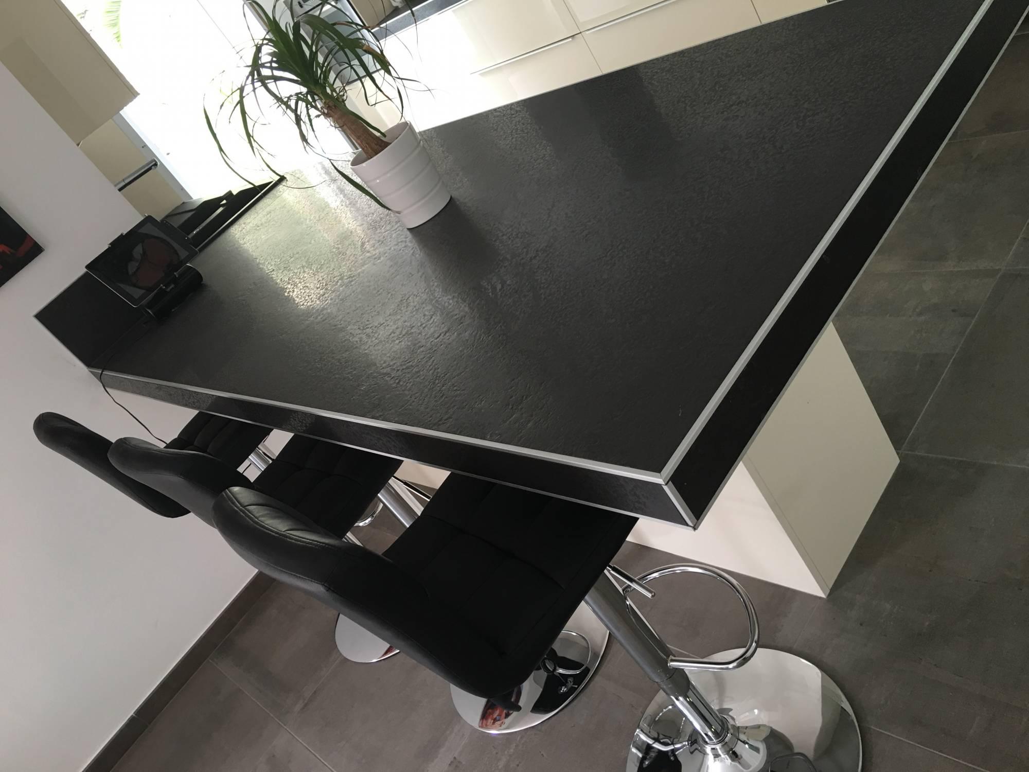 carrelage plan de travail cuisine 60x60 best peinture pour carrelage plan de travail cuisine. Black Bedroom Furniture Sets. Home Design Ideas