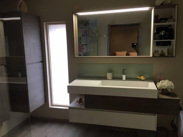 Salle de bains carrelage imitations carreaux de ciment Eguilles ...