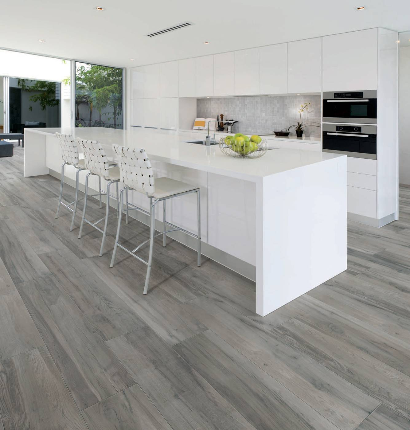Carrelage cuisine imitation parquet deco salon noir et for Carrelage imitation parquet gris
