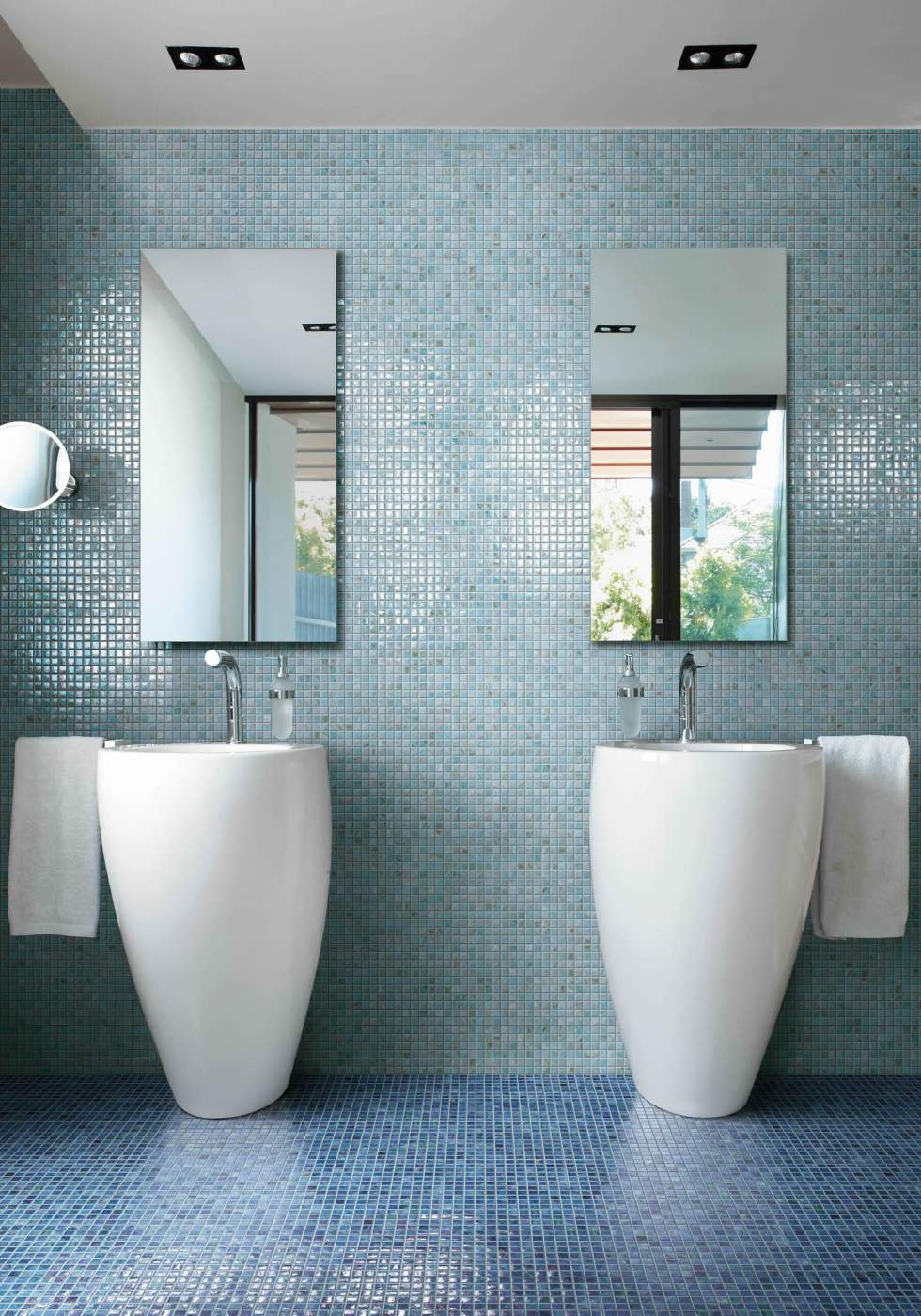 Mosaïque pour salle de bains bleu nacré Eguilles - Carrelage ...