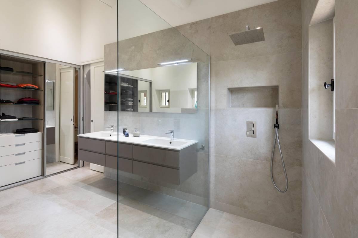 Salle de bains ultra moderne douche italienne aix en for Salle de bain aix en provence