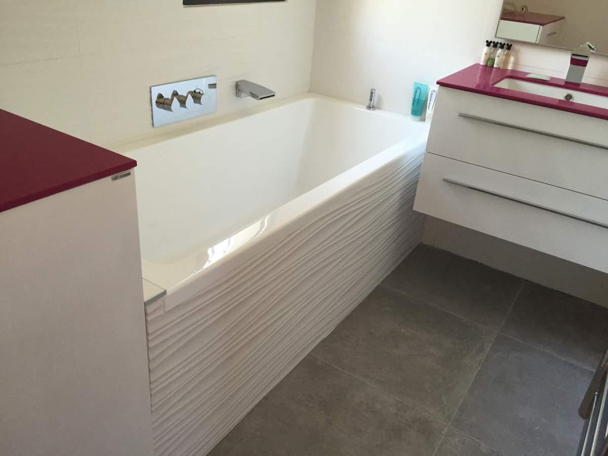 Pose de carrelage sol et murs pour salle de bains aix en for Pose carrelage salle de bain sol