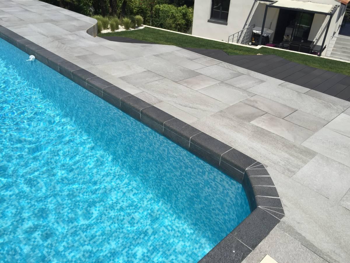 Contour de piscine en carrelage anti d rapant aix en provence carrelage int - Carrelage contour piscine ...