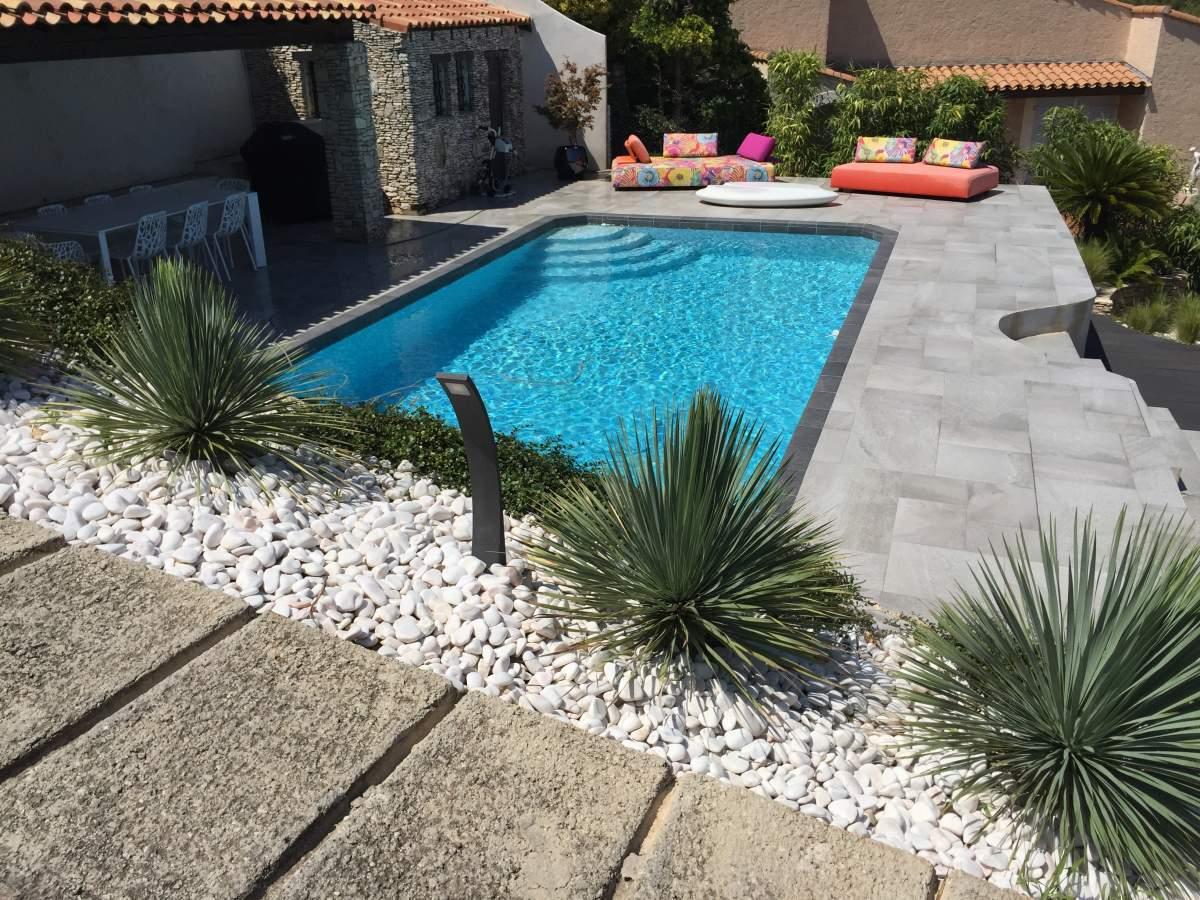 r novation d un contour de piscine et terrasses sur les. Black Bedroom Furniture Sets. Home Design Ideas