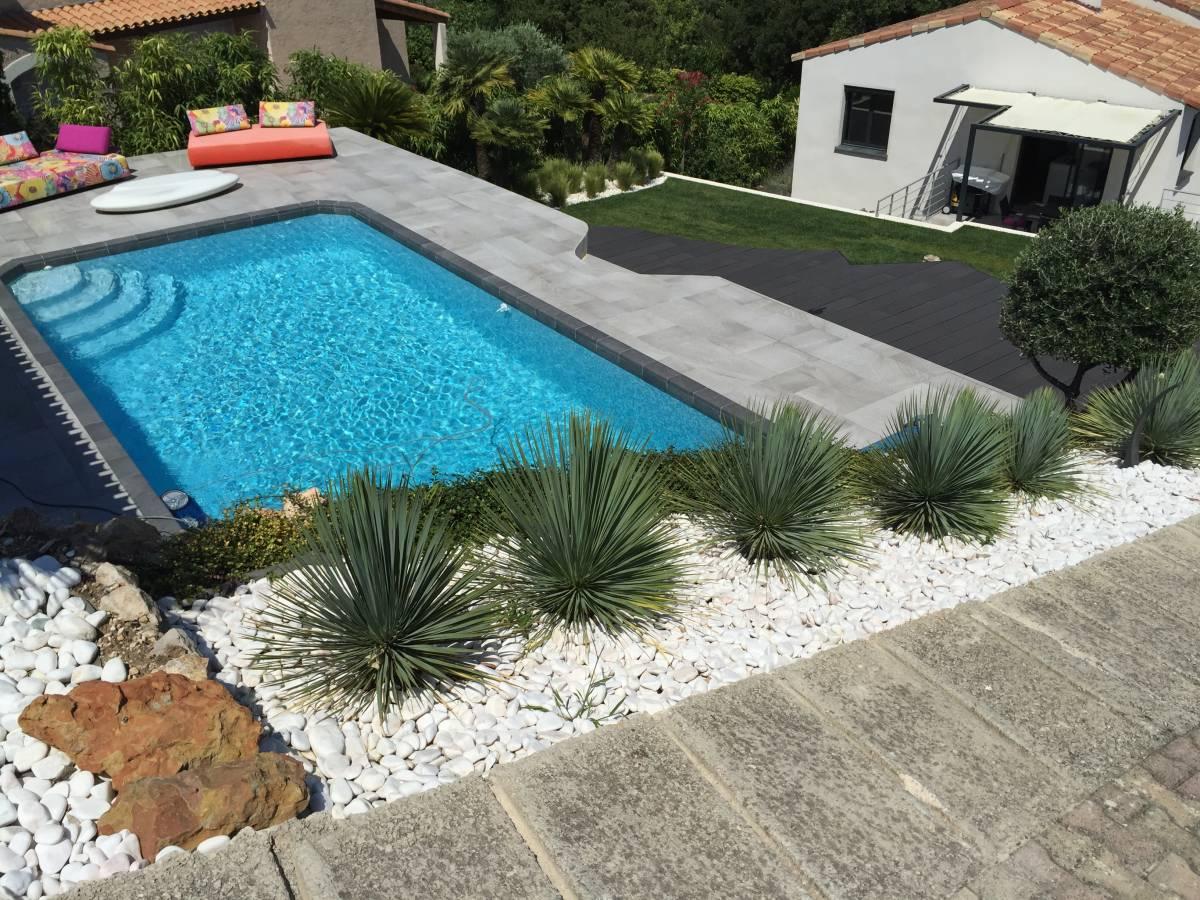 Contour de piscine en carrelage anti d rapant aix en provence carrelage int rieur et ext rieur - Carrelage piscine moderne ...