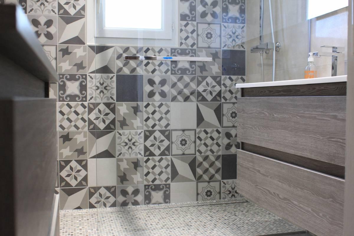 Carrelage int rieur ext rieur guilles salle de bain Salle de bain parentale avec douche italienne