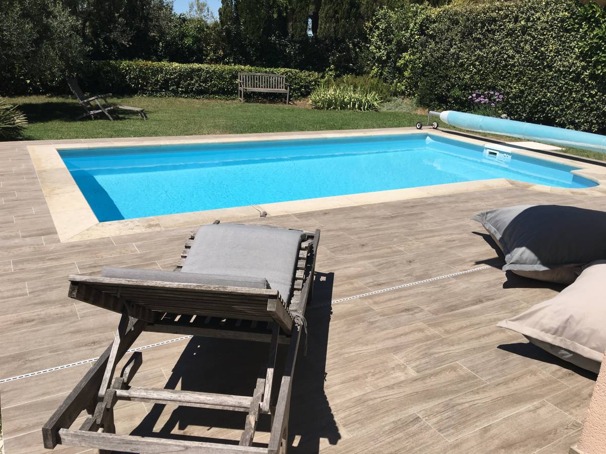 Margelle piscine imitation bois 28 images margelle de for Piscine tubulaire imitation bois